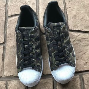 Adidas Green Camo Superstar Shoes NWOT/NWOB